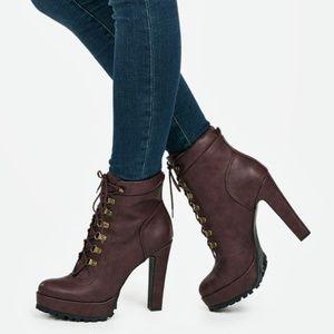 JustFab Linanyi Burgundy Lace Up Boots BNIB
